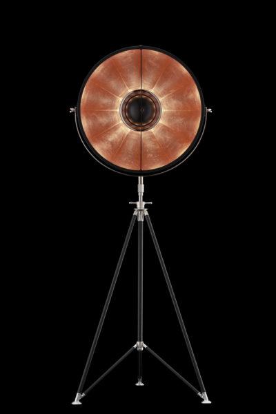 Lámpara de pie Fortuny Studio 63 con trípode negra y pan de cobre