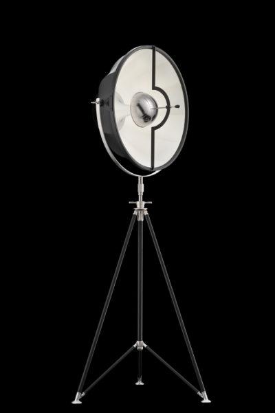 Lámpara de pie Fortuny Studio 63 con trípode negra y blanca