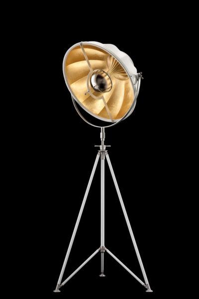 Lámpara de pie Fortuny Studio 63 con trípode blanca y con pan de oro