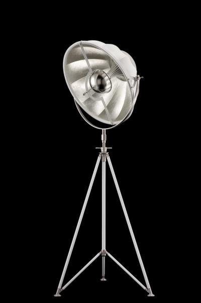 Lámpara de pie Fortuny Studio 63 con trípode blanca y con pan de plata