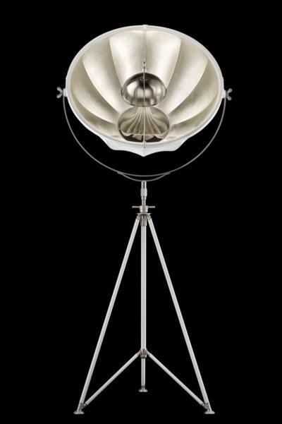 Lámpara de pie Fortuny Studio 76 blanca y con pan de plata