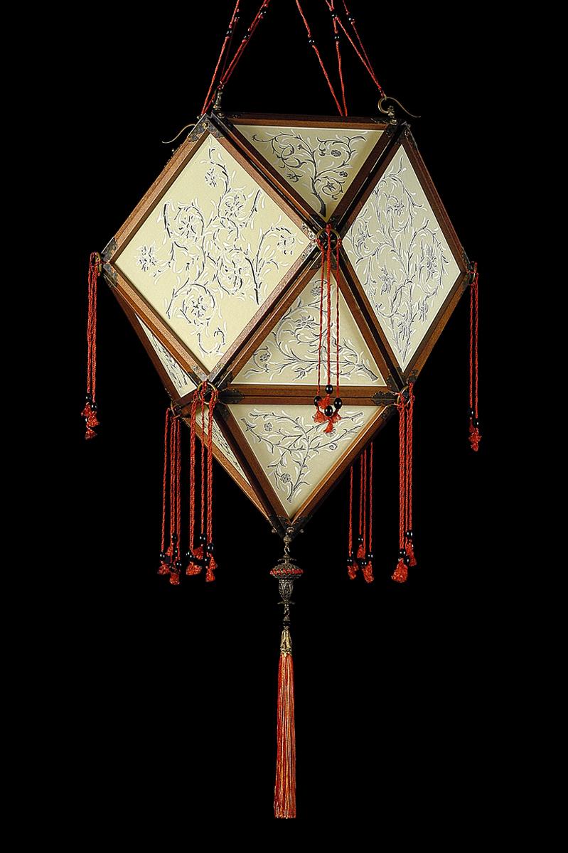 Lámpara de seda Concubine Imperiale con estructura de madera