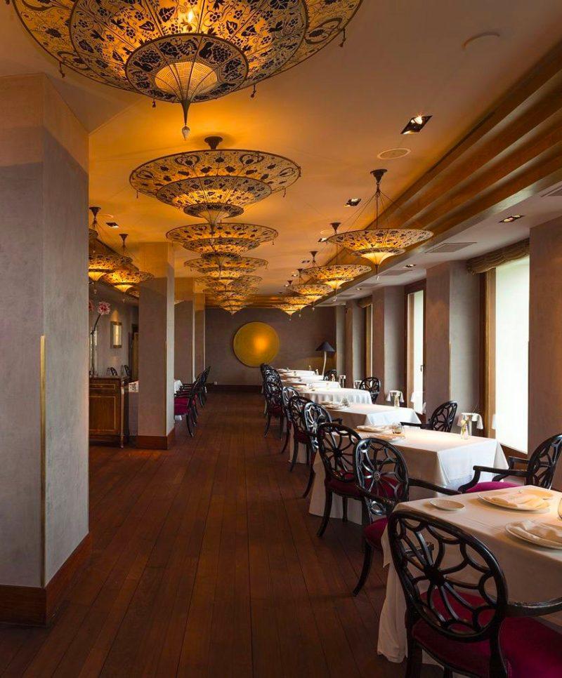 Scheherazade Fortuny 3 niveles Lámpara de seda con diseño Floral - restaurante