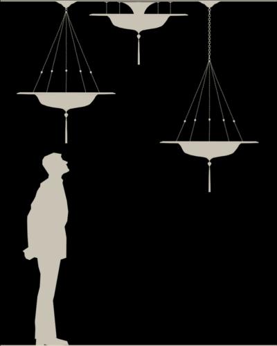 Lámpara de seda Fortuny Scudo Saraceno con anillo metálico tamaño real