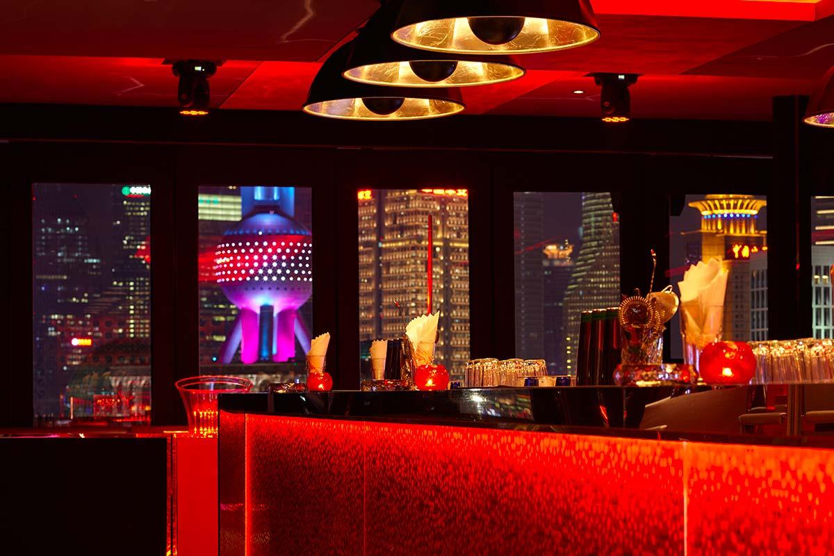 Bar Rouge en Shanghai incluye lámparas Fortuny Studio 1907 Cupola