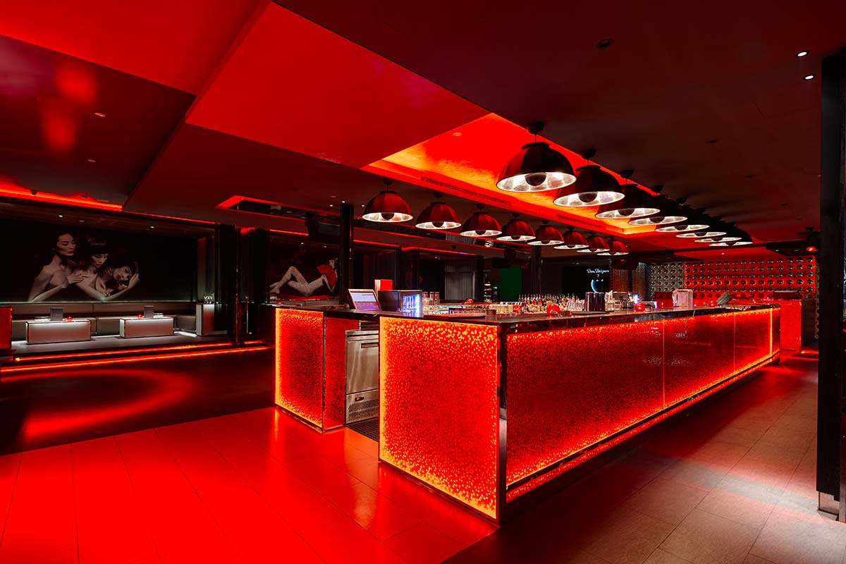 Bar Rouge en Shanghai incluye lámparas Fortuny Studio 1907 Cupola 4