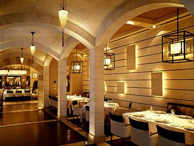 Restaurante Byblos en Arabia Saudita con Cesendello de seda