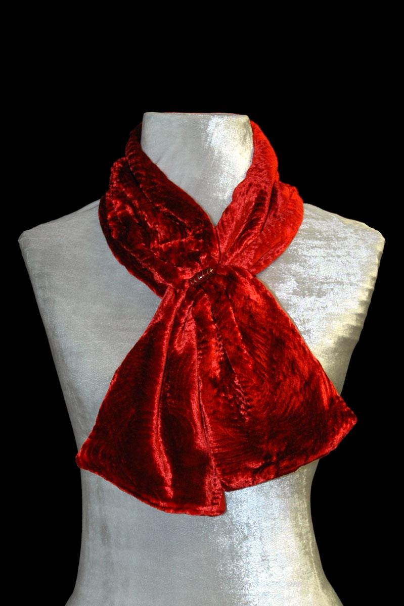 Pañuelo de terciopelo fruncido rojo con cuentas de cristal de Murano