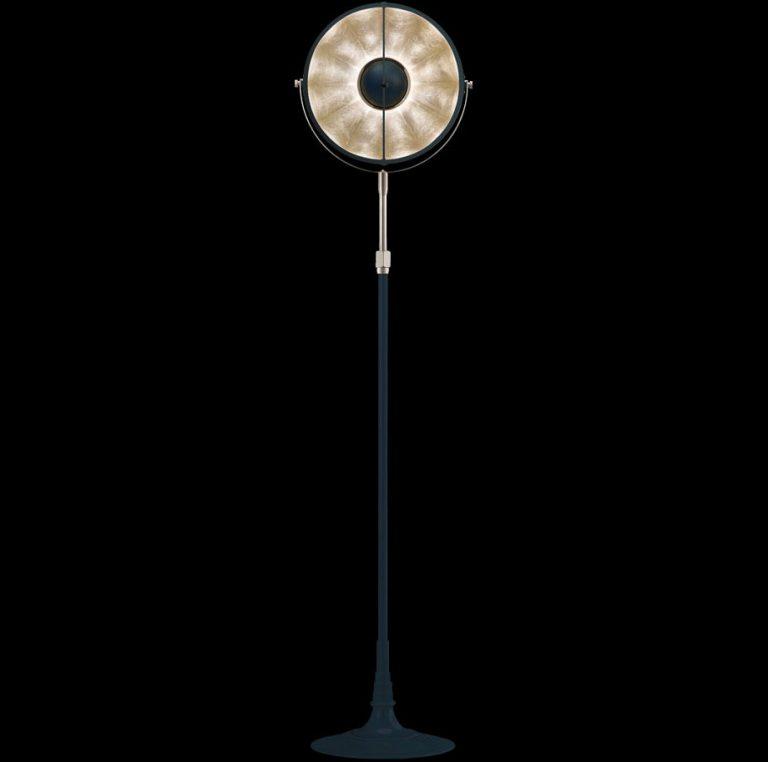 Lámpara de pie Fortuny Atelier 32 azul pastel y pan de plata