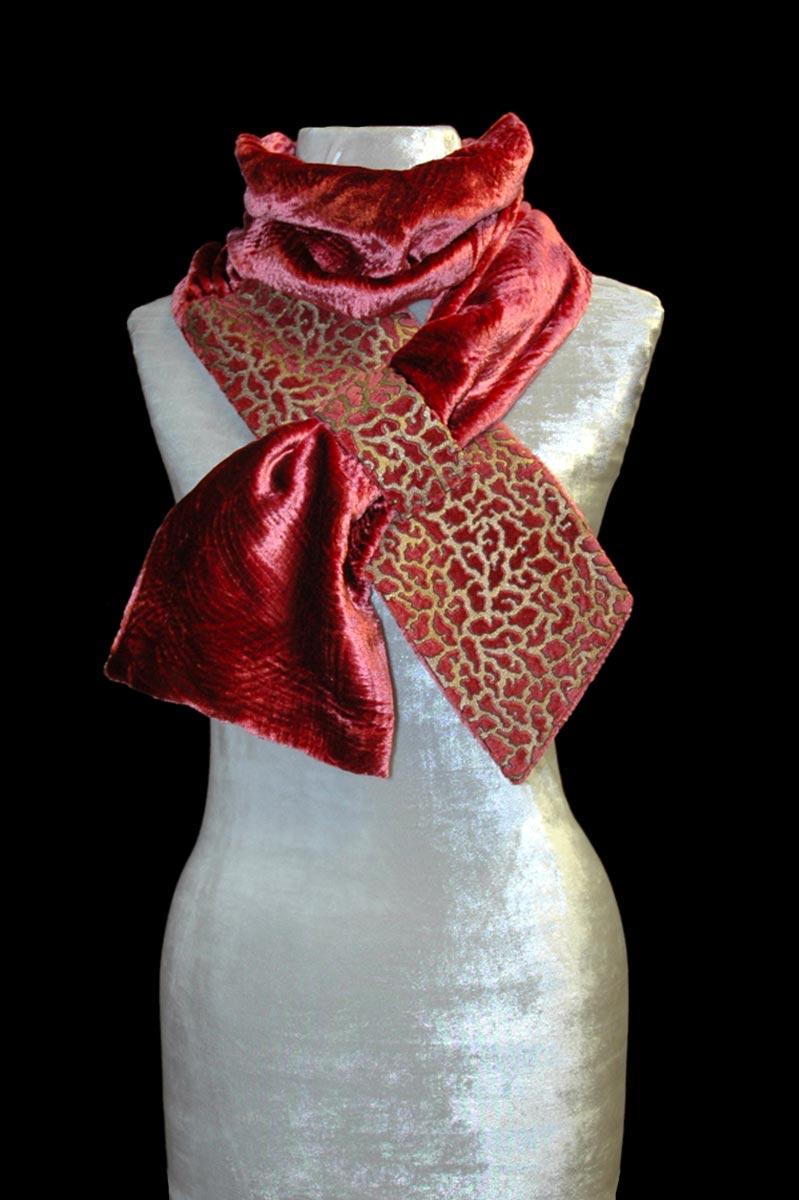 Pañuelo de terciopelo color canela estampado