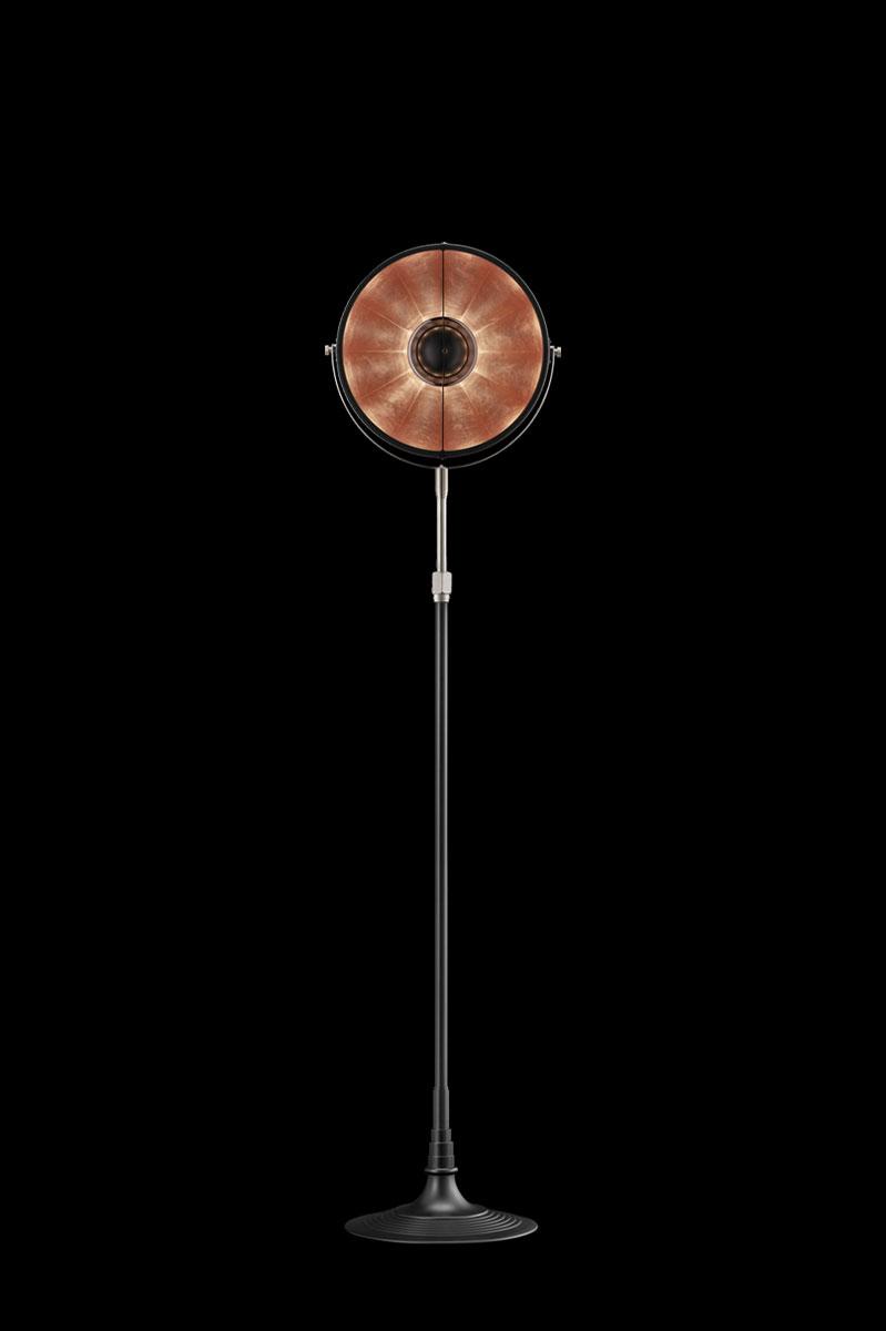Lámpara de pie Fortuny Atelier 32 negra y con pan de cobre