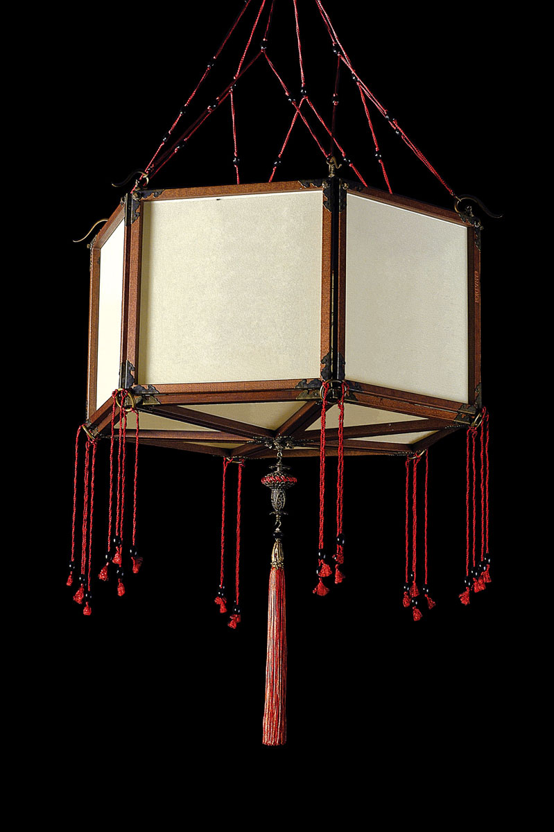 Lámpara de seda Fortuny Concubine Loto Plain con estructura de madera