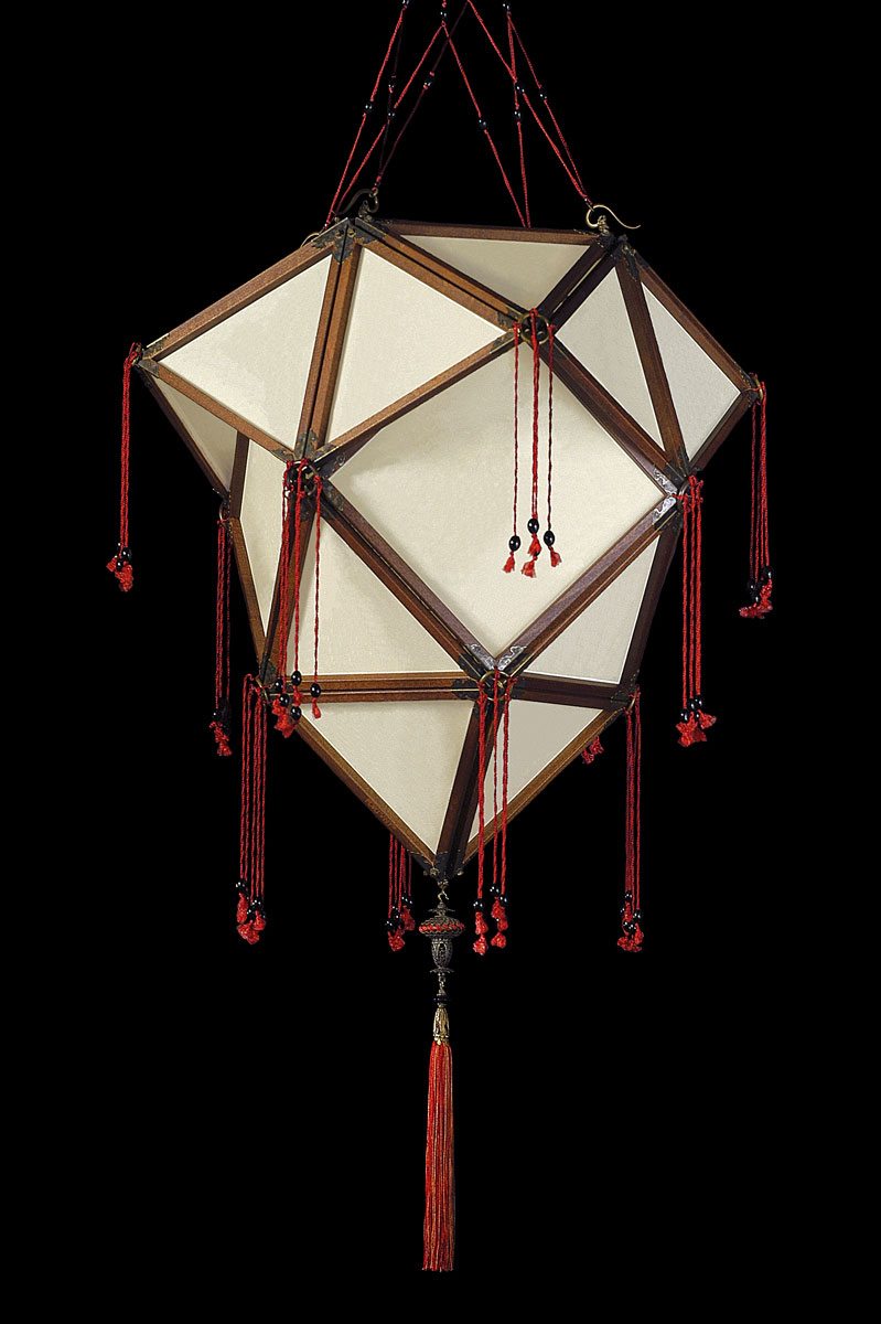 Lámpara de seda Fortuny Concubine Proibita Plain de seda con estructura de madera
