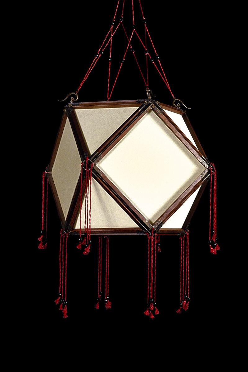 Lámpara de seda Concubine Tempio Plain con estructura de madera
