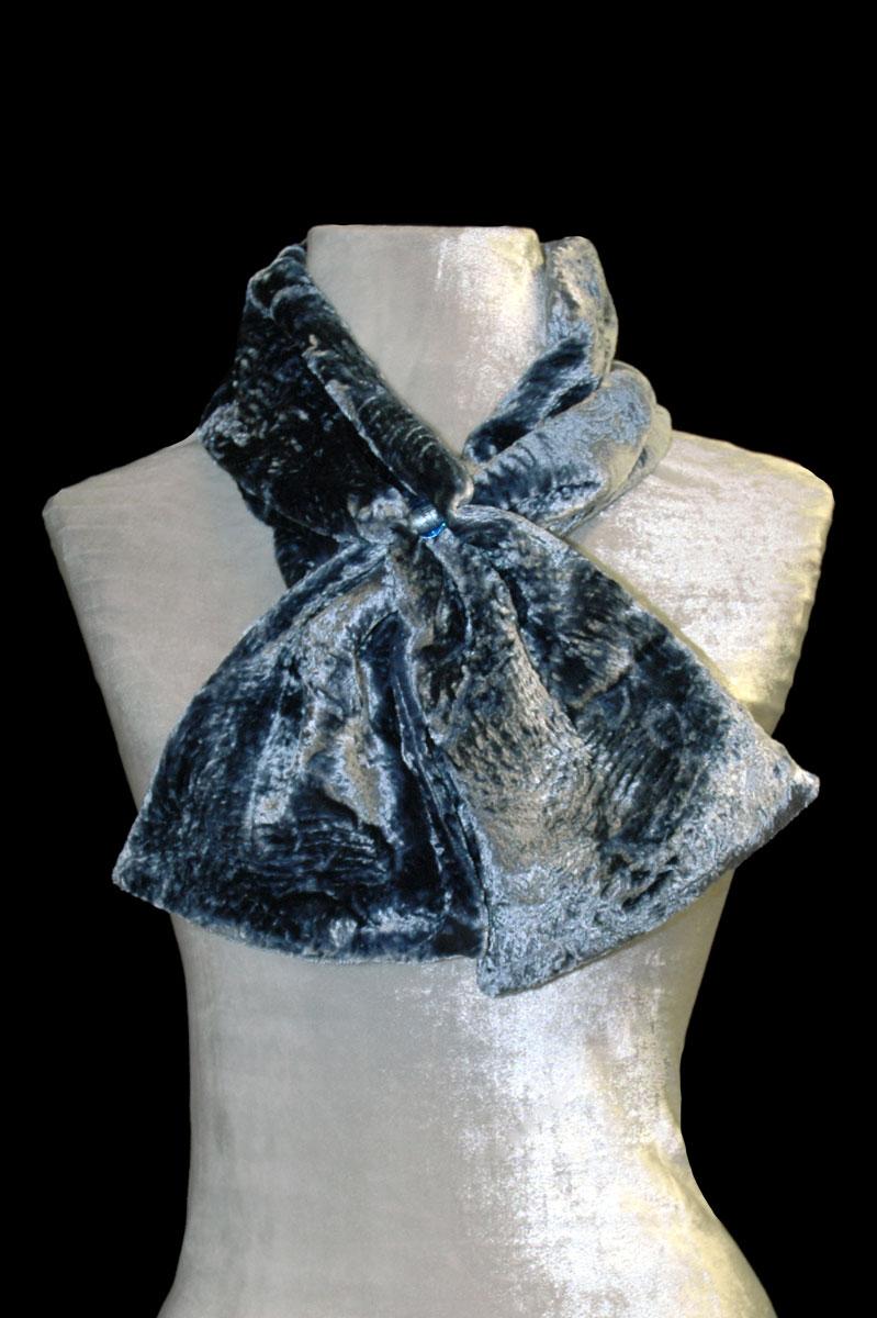 Pañuelo de terciopelo fruncido gris azulado con cuentas de cristal de Murano