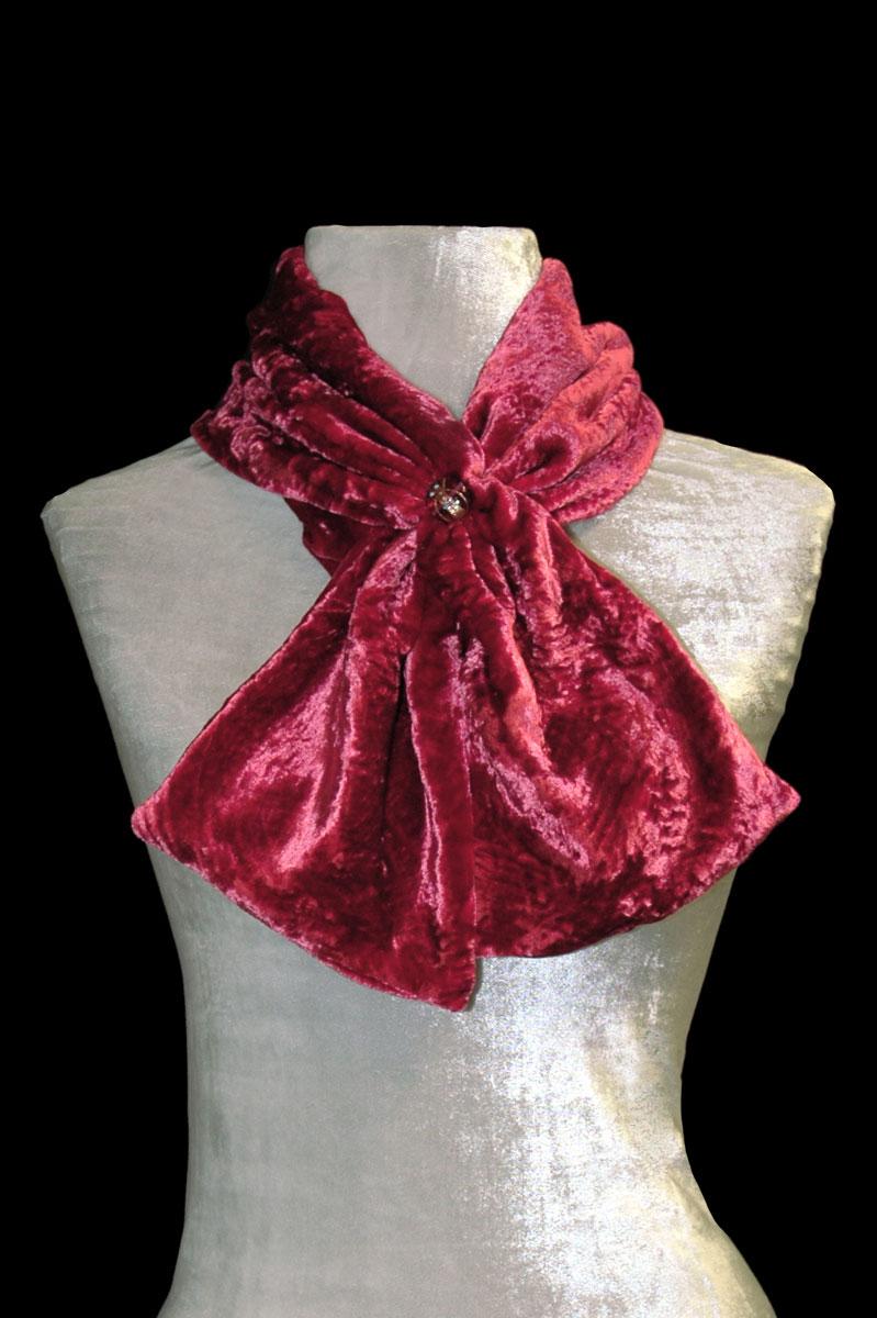 Pañuelo Fortuny de terciopelo fruncido rojo carmín con cuentas de cristal de Murano