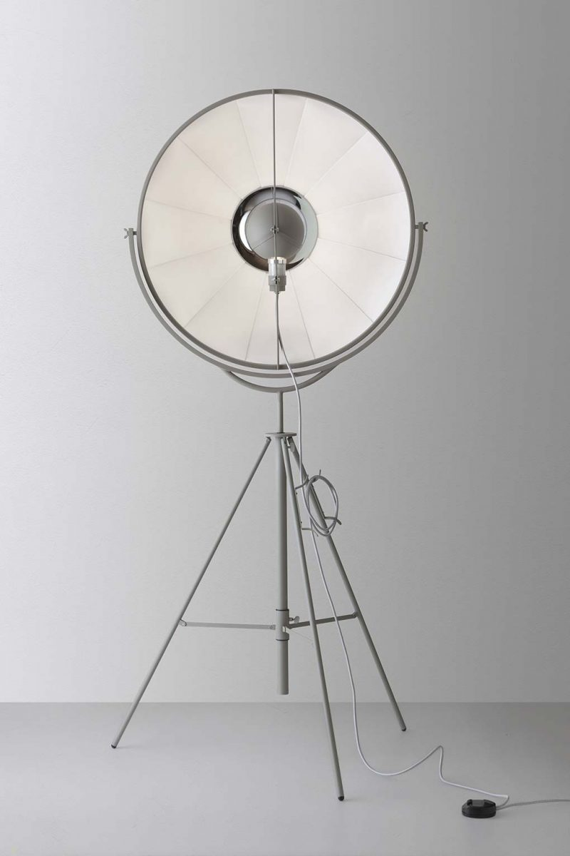 Lámpara de pie Pallucco Fortuny Moda vista frontal
