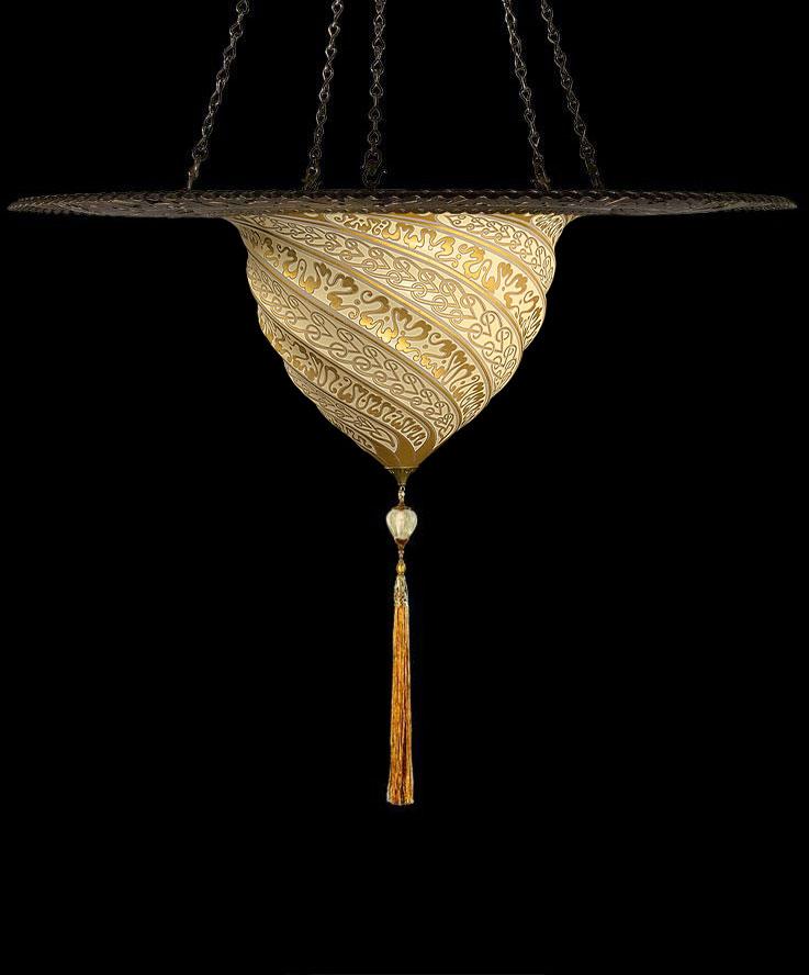 Samarkanda en cristal con anillo metálico