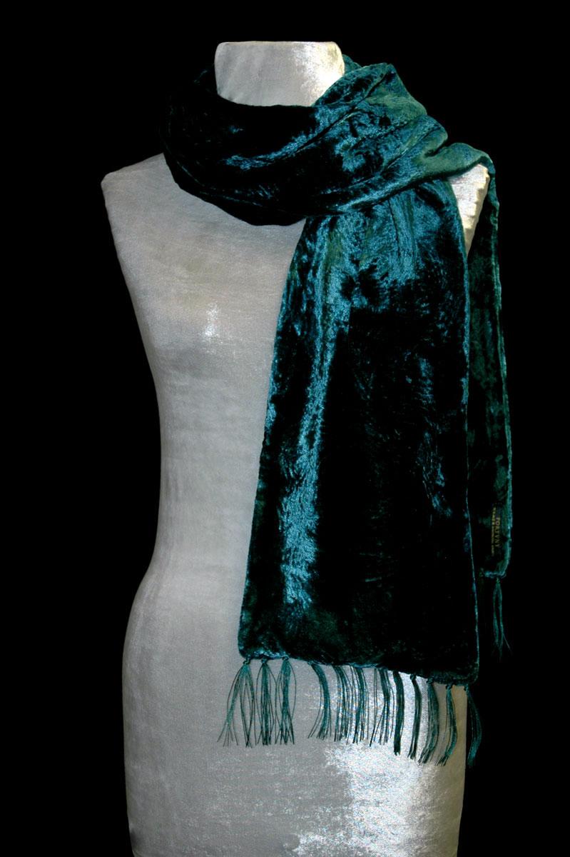 Pañuelo Fortuny de terciopelo fruncido verde azulado oscuro con flecos
