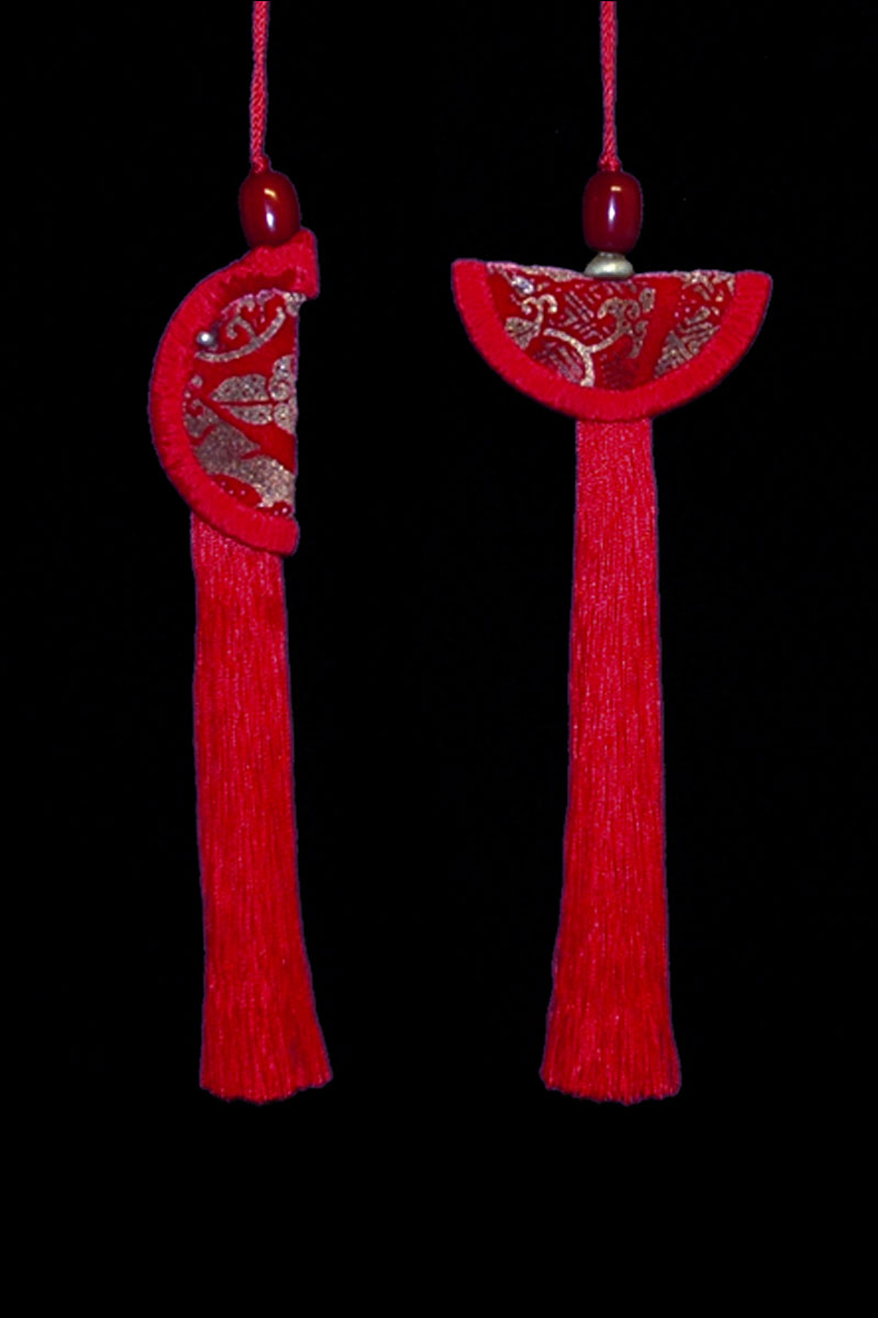 Venetia Studium couple of red Geisha & Samurai key tassels