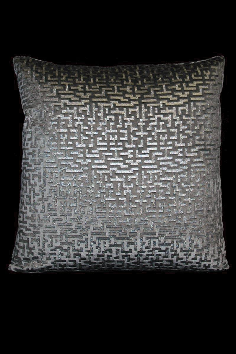 Cojín cuadrado Venetia Studium Labirinto de terciopelo gris estampado