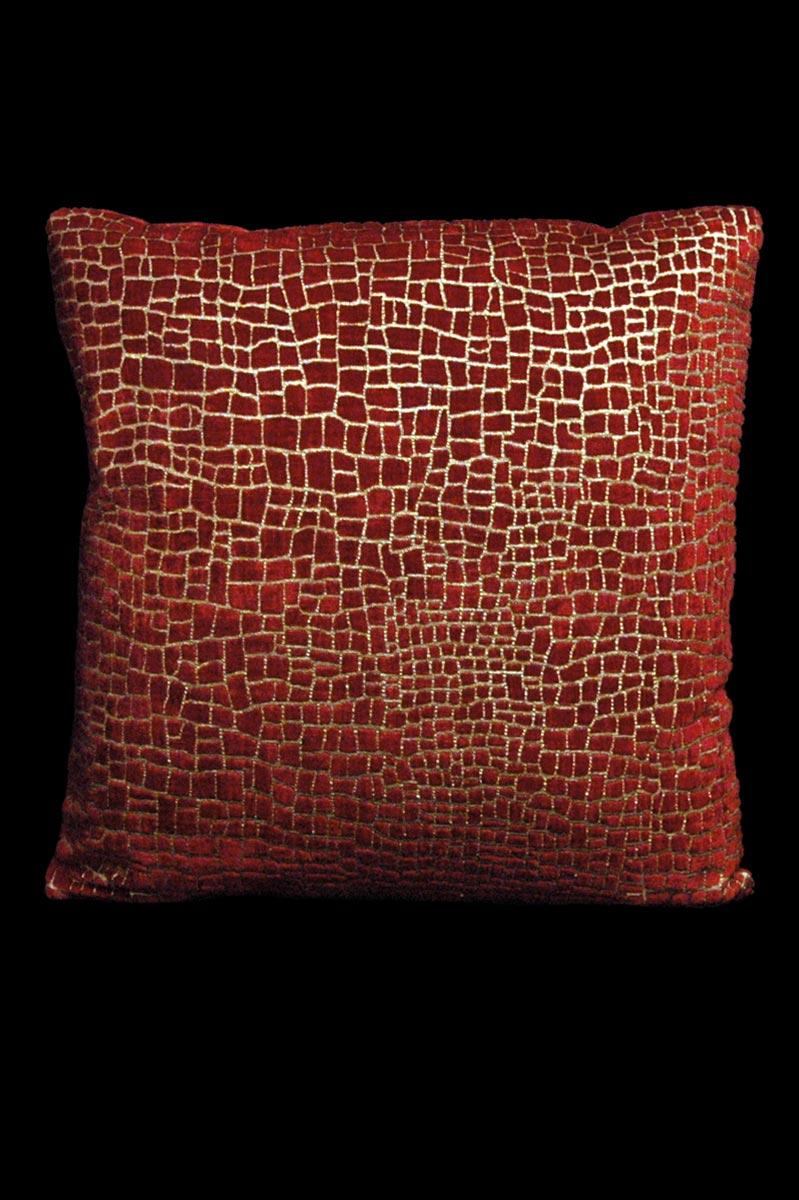 Cojín Venetia Studium cuadrado de terciopelo rojo estampado con diseño Mosaico