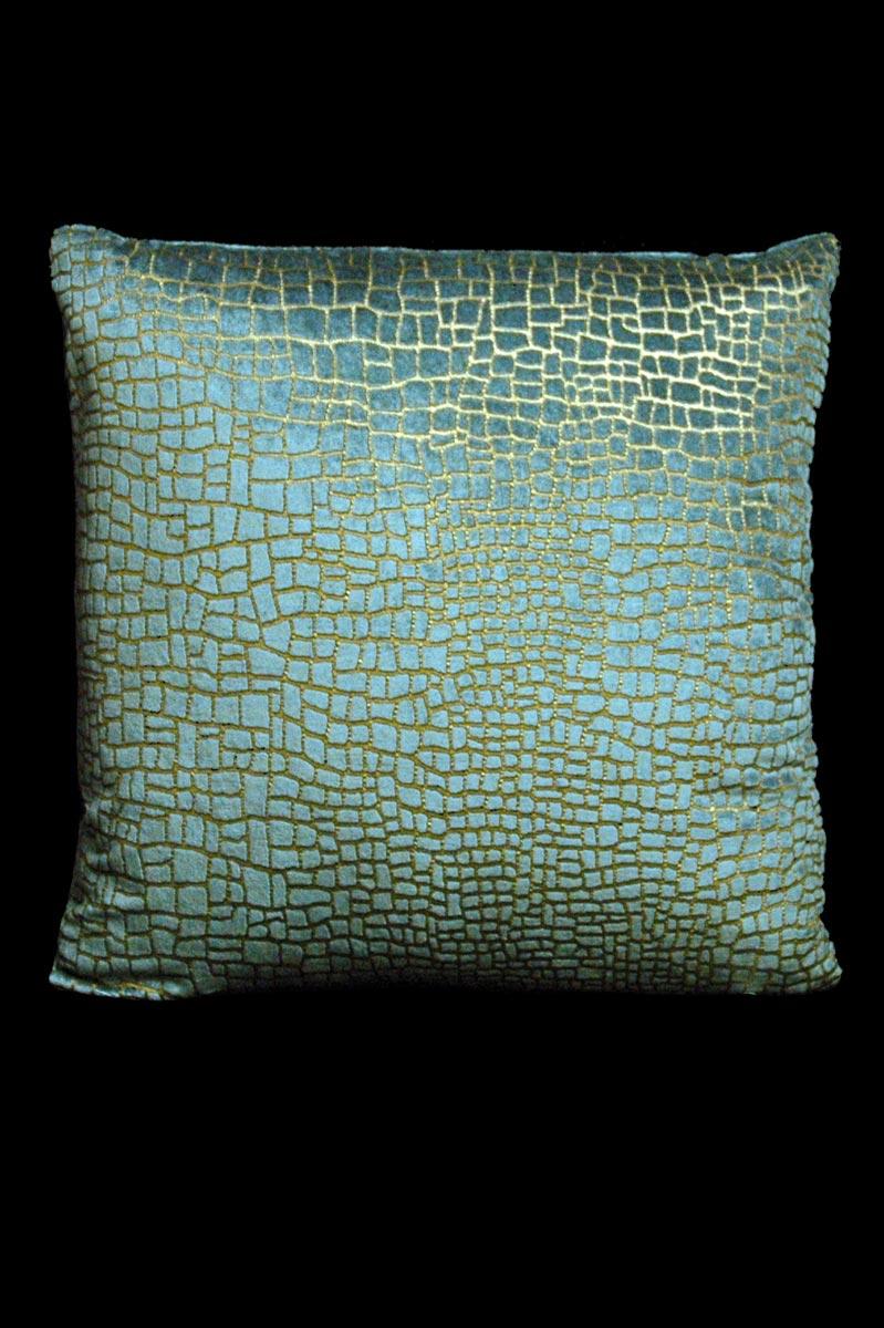 Cojín Venetia Studium cuadrado de terciopelo azul claro estampado con diseño Mosaico