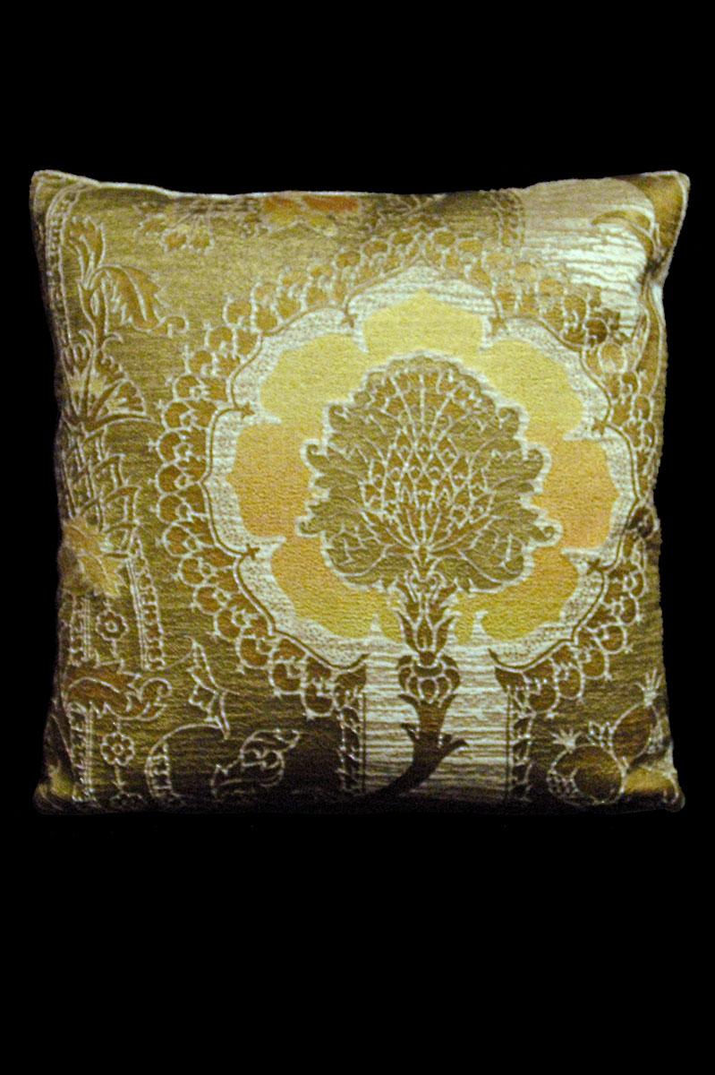 Cojín cuadrado Venetia Studium San Gregorio de terciopelo beis-amarillo estampado