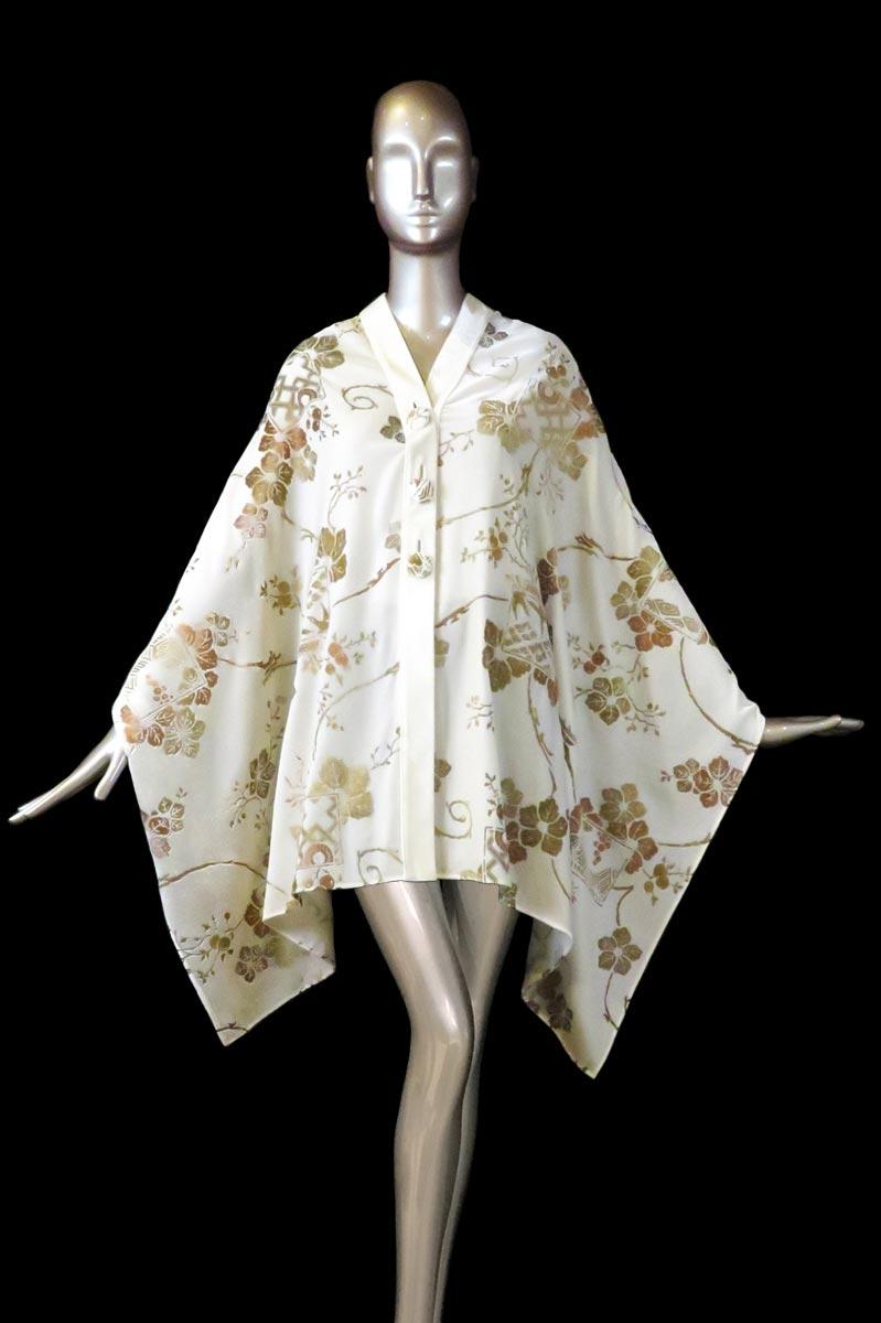 Estola Fortuny de terciopelo estampado blanco con algodones