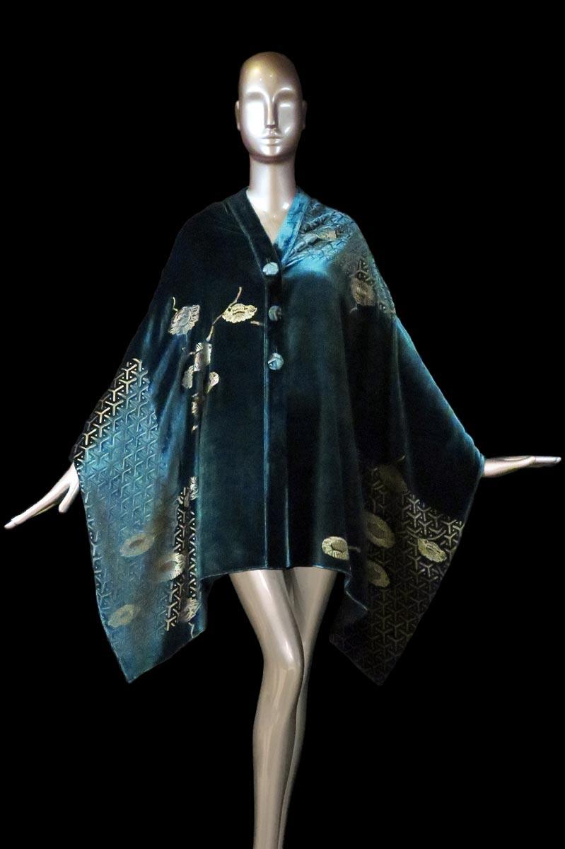 Estola Fortuny de terciopelo estampado verde azulado oscuro con algodones