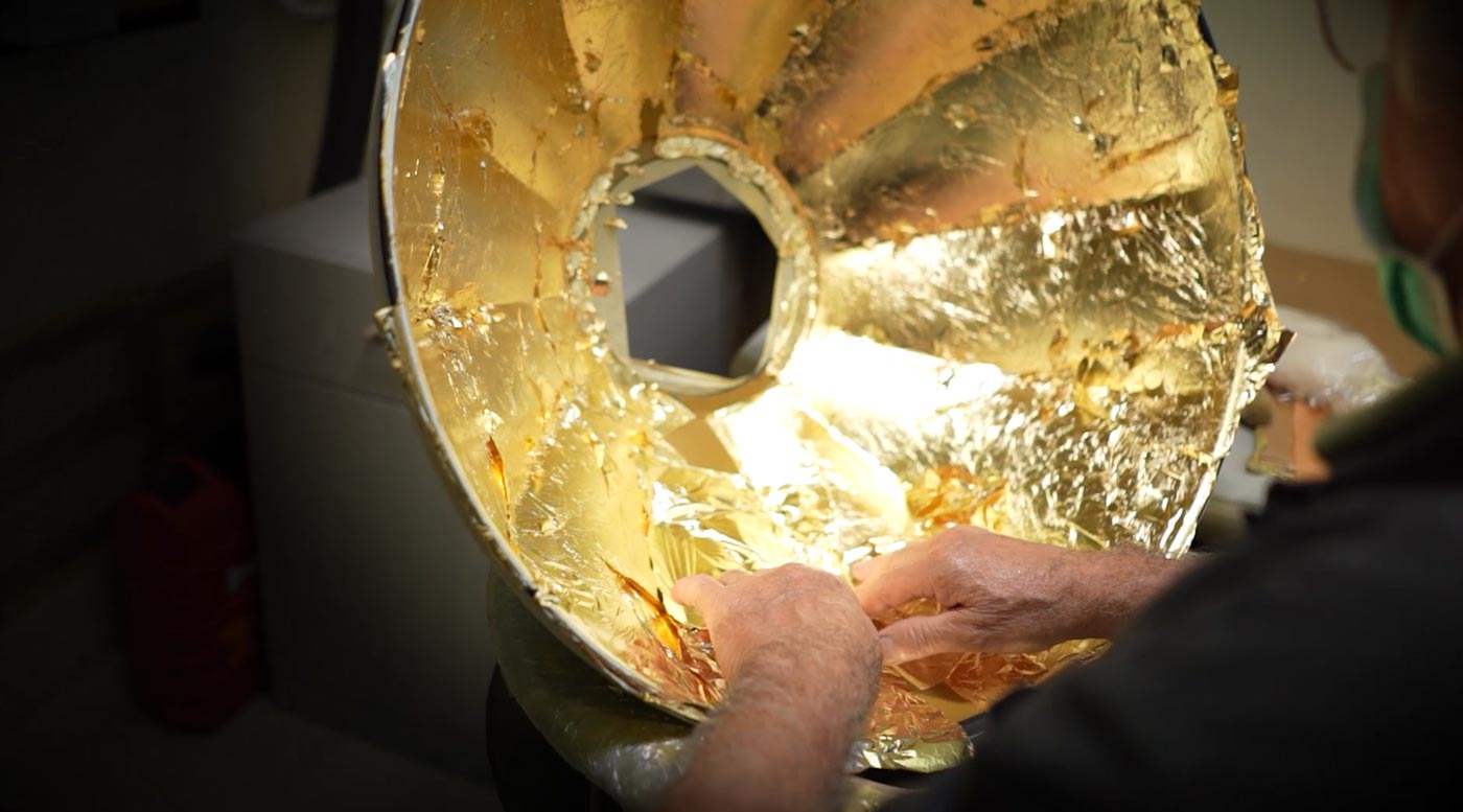 Fortuny making of Studio 1907 gold leaf